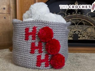 Holiday Ho Crochet Basket || thecrochetspace.com