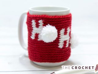 Holiday Ho Crochet Cozy || thecrochetspace.com