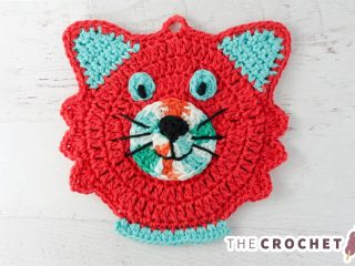 Kitty Kat Crochet Potholder || thecrochetspace.com