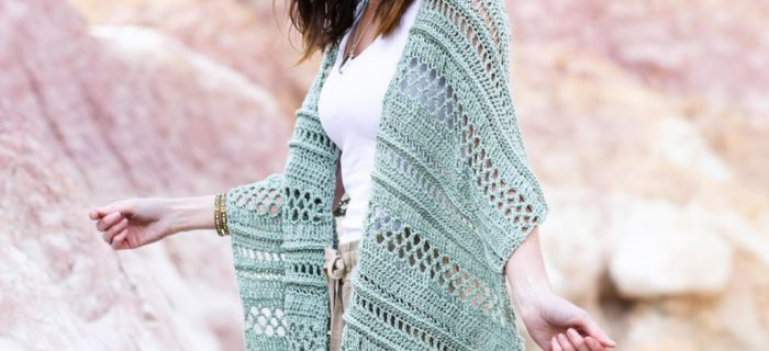 Lacy Summertide Crochet Wrap || thecrochetspace.com