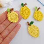 Lemon Squeezy Crochet Accent. Four lemons || thecrochetspace.com