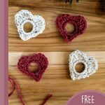 Love Hearts Crochet Garland. Red and white hearts x4 || thecrochetspace.com