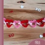 Love Hearts Crochet Garland. Garland in red and pink hearts || thecrochetspace.com