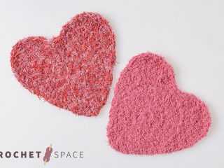 Lovely Hearts Crocheted Scrubby || thecrochetspace.com