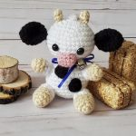 Mini Crochet Colby Cow. mini cow with horns    thecrochetspace.com