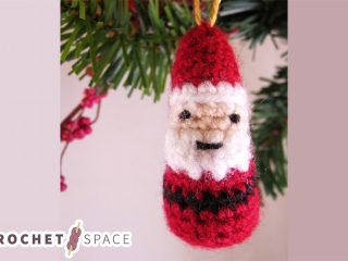 Mini Crochet Father Christmas || thecrochetspace.com