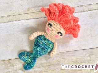 Mini Mermaid Crochet Rattle || thecrochetspace.com