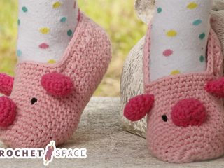 Miss Piggy Crocheted Slippers    thecrochetspace.com