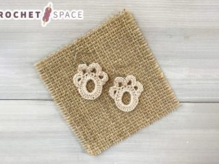 Paw Print Crochet Accent || thecrochetspace.com