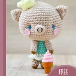 Perfect Princess Piggy Amigurumi. Piggy standing with an ice cream cornet in front of her || thecrochetspace.com