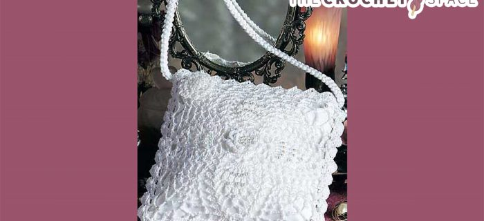 Pineapple Lace Crochet Bag || thecrochetspace.com
