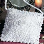 Pineapple Lace Crochet Bag. Square, white, lace bag. Suitable for weddings || thecrochetspace.com