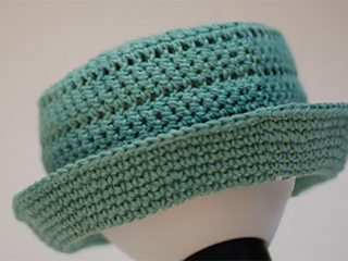 Pork Pie Crochet Hat || thecrochetspace.com