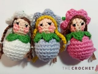 Mini Pretty Crochet Flower Dolls || thecrochetspace.com