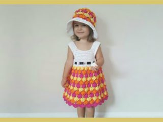 Pretty Fantail Crochet Dress || thecrochetspace.com