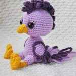 Pretty Spring Crochet Chick . Two shades of purple chick || thecrochetspace.com