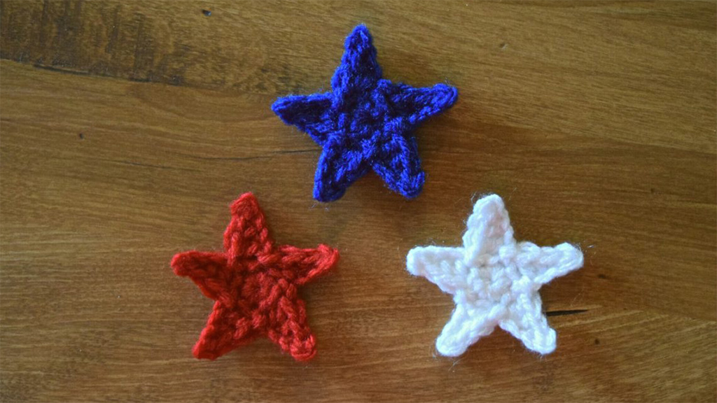 Quick Star Crochet Accents || thecrochetspace.com