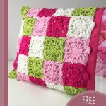 Retro Lenny Crochet Pillow. Crafted in pinks and greens on a white background || thecrochetspace.com