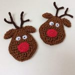 Rudolf Reindeer Crochet Accent. Two x Reindeer heads with red noses || thecrochetspace.com