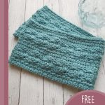 Sea Shells Crochet Cowl. Folded scarf || thecrochetspace.com