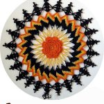 Seasonal Halloween Crochet Doily. Colors of the fall || thecrochetspace.com