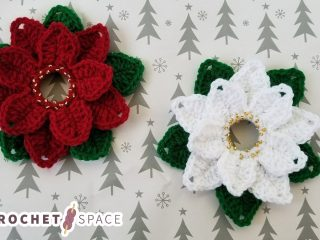 Seasonal-Poinsetta-Crochet-decorations || thecrochetspace.com