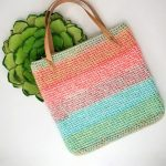 Sherbet Dip Crochet Bag. Striped bag crafted in peach and turquois || thecrochetspace.com