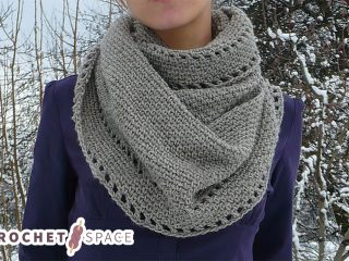 Simple Calm Crocheted Cowl || thecrochetspace.com