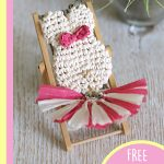 Simple Crochet Bunny Accent. One bunny accent in a mini deckchair. Tassel in eige and pink and spreadout || thecrochetspace.com