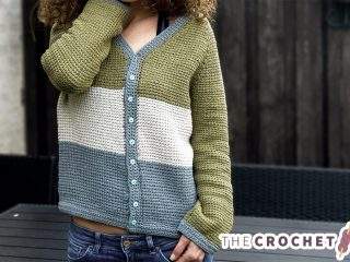 Simple Tunisian Crochet Cardigan || thecrochetspace.com