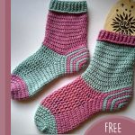 Simply Spiral Crochet Socks. Pairs of spial socks crafted in pink and green    thecrochetspace.com