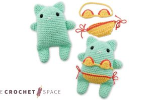 Summer Crochet Beach Cat || thecrochetspace.com