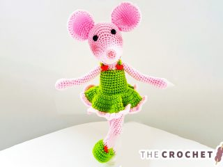 Sweet Crochet Dancing Mouse || thecrochetspace.com