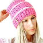 Sweetest Pea Crochet Slouch. Image of woman wearing hat || thecrochetspace.com