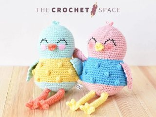 Sweetie Sue Crochet Bird || thecrochetspace.com
