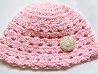 Sweetie Crochet Beanie Pattern | thecrochetspace.com
