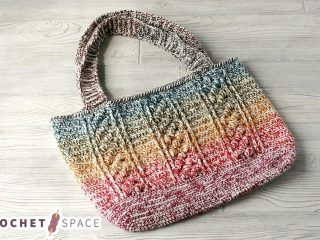 Textured Crochet Bobble Bag || thecrochetspace.com
