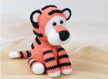 Tiger Terry Crochet Toy | thecrochetspace.com
