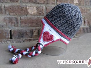 Valentine Crocheted Hat With Earflaps || thecrochetspace.com