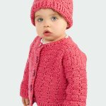 Winter Wonder Crochet Set. Child wearing set and standing. Crafted in dark pink color || thcrochetspace.com