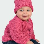 Winter Wonder Crochet Set. Set worn by child. Lovely and chunky crochet in dark pink || thecrochetspace.com