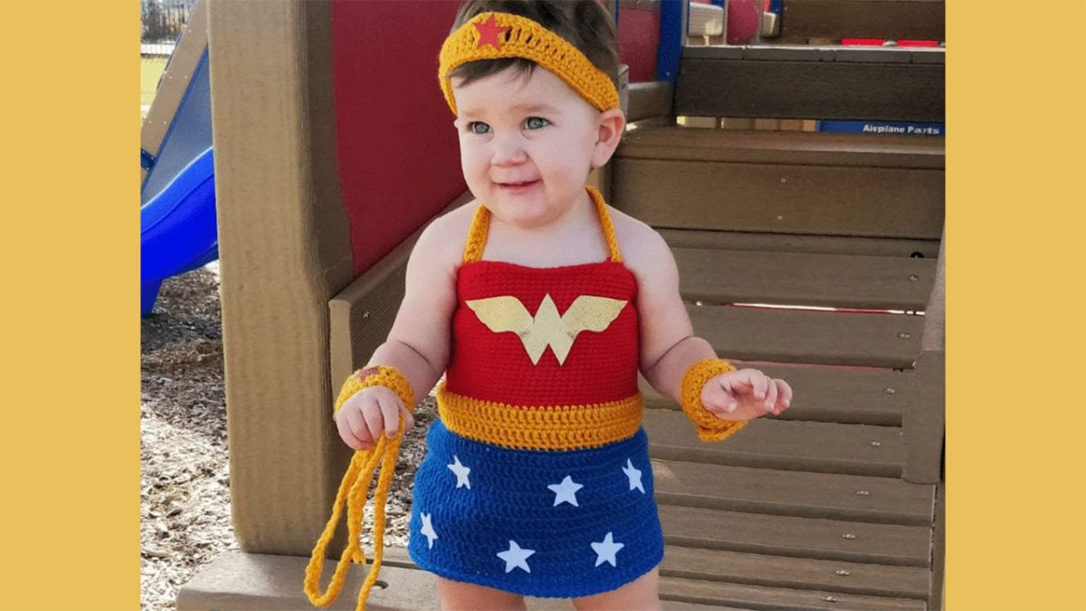 Wonder Woman Crochet Outfit || thecrochetspace.com