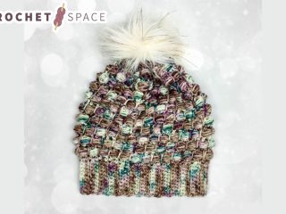 Woodland Slouchy Crochet Hat || thecrochetspace.com