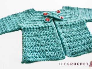 X Stitch Crocheted Baby Cardigan || thecrochetspace.com