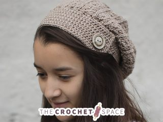 Yarni Crochet Slouch Hat || thecrochetspace.com