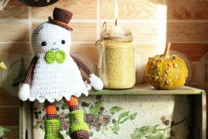 cute crocheted halloween ghost | the crochet space
