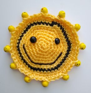Kids Smiley Glass Cover | thecrochetspace.com
