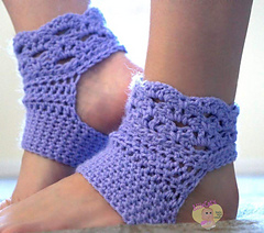 harmony crocheted yoga socks - the crochet space